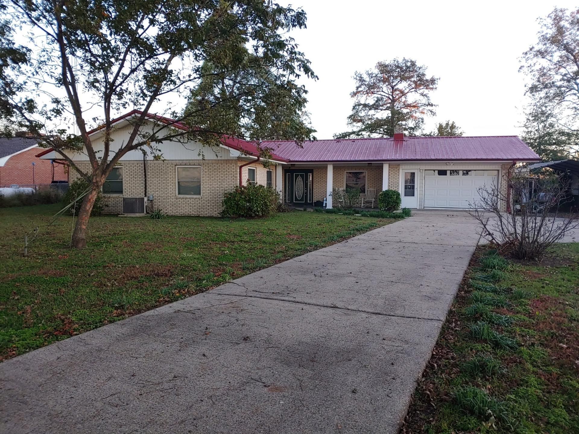 457 Lakehall RD, Lake Village 71653
