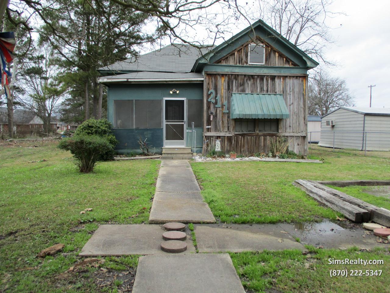 211 Adams St., McGehee, Arkansas 71654